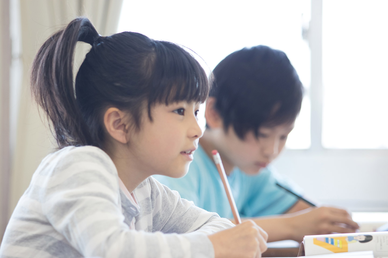 塾に通う小学生